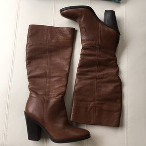 NWOT Brown leather heeled boots